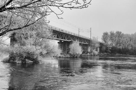 1400_Zeleznicny_most